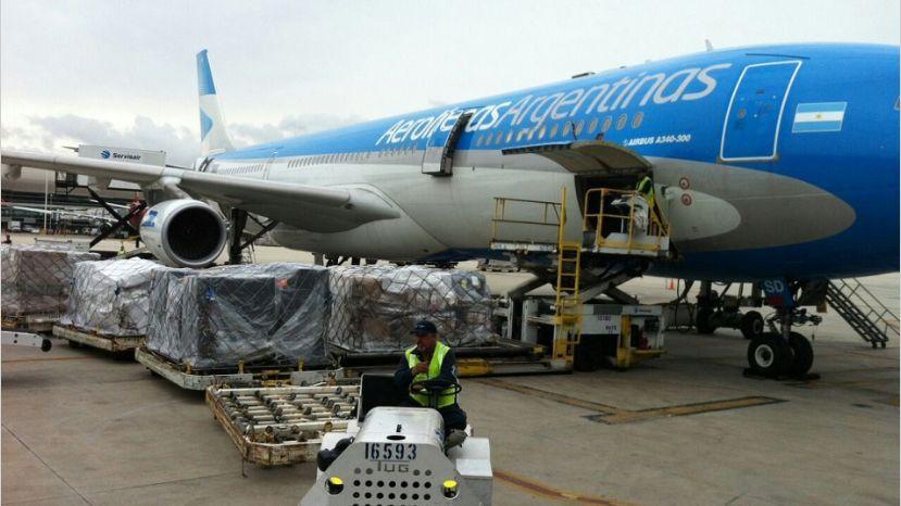 Cancillería articuló un acuerdo entre Aerolíneas Argentinas y COVIAR para impulsar las exportaciones y el enoturismo