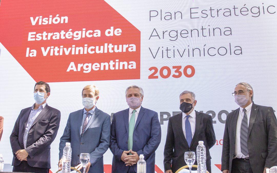 Con el presidente Fernández y el gobernador Suarez se realizó el desayuno de COVIAR